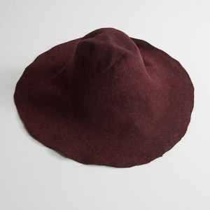 4'' Brim Un-Blocked Wine / Brown Felt Hat Body